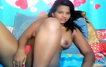 Sexy Indian camgirl plays with pussy